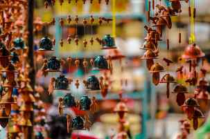 wind chimes hanging for sale in market